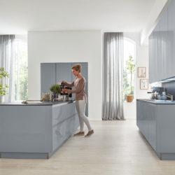 Interliving Küche hochglanz grau
