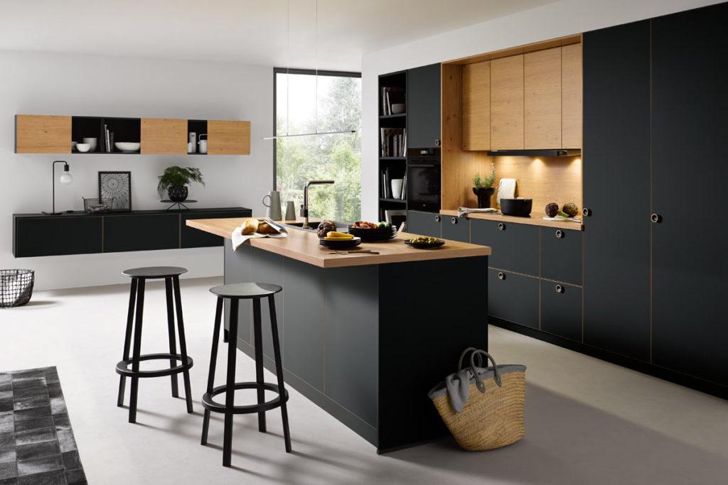 Schueller Küche Schwarz-Holz